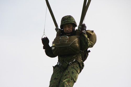 第一空挺団で活躍した(写真=陸上自衛隊幕僚監部)