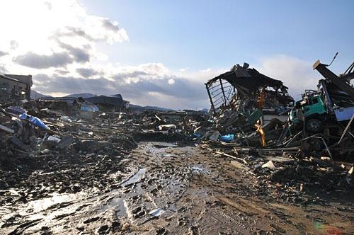 2011年3月、東日本大震災発生直後の気仙沼。