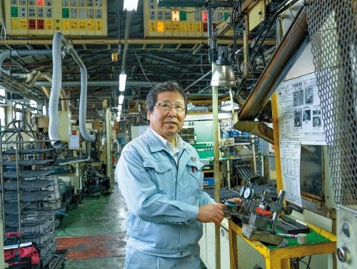 """<span class=""""fontBold"""">長野鍛工の中村千夏社長は「元請け企業は優秀なサプライヤーを探している。組めば、新しい市場が広がる」と話す</span>(写真=林 安直)"""
