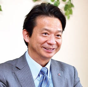 "<span class=""fontBold"">創業者で社長だった髙橋氏は6月に会長に就任。経営には従前通り携わる</span>(写真=北山 宏一)"