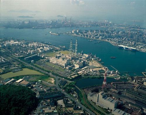 アンモニアを直接燃料として活用することに成功した中国電力の水島発電所(岡山県倉敷市)
