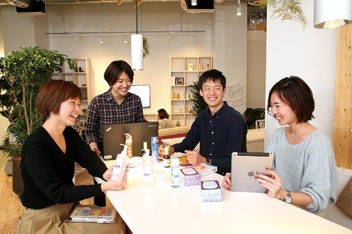 "<span class=""fontBold"">マーケティング部門は女性の比率が高まっている(東京・港)</span>(写真=陶山 勉)"
