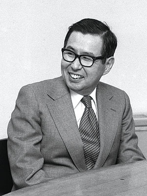 <b>イトーヨーカドー創業者の伊藤雅俊。大野耐一を訪ね、トヨタ生産方式について尋ねた</b> (写真:読売新聞/アフロ、1979年撮影)