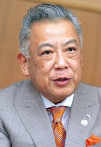 <b>名古屋トヨペット社長の小栗一朗は、豊田章男、友山茂樹らとともに販売のカイゼンに取り組んだ</b>(写真=森田 直希)
