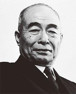 <b>神谷正太郎は、戦後いち早くトヨタの販売網を作り上げ、今もなお「販売の神様」と呼ばれている</b>(写真提供=トヨタ)