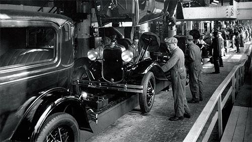 <b>1920年代のフォード自動車工場の様子</b>(写真=Ullstein bild/アフロ)