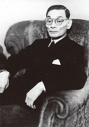 <b>一万田尚登(いちまだ・ひさと)/ 1893年、大分県生まれ。1918年、東京帝国大学を卒業後、日本銀行入行。46年、第18代総裁に就任。その後、鳩山一郎内閣、岸信介内閣で大蔵大臣を務めた。84年没</b>(写真=近現代PL/アフロ)