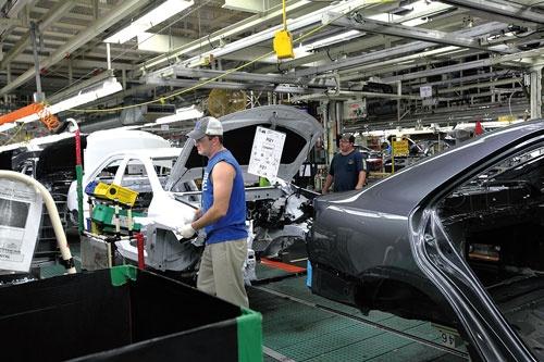 <b>トヨタのケンタッキー工場のワーカーたちは、ストップウォッチで自分の作業時間を計測されることについて質問すると、「ノープロブレムだ」と口をそろえた</b>(写真=山本 祐)