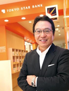 <b>さとう・せいじ</b><br>1982年東京貿易入社。89年三井銀行入行。2015年三井倉庫ホールディングス取締役。16年東京スター銀行副頭取。17年4月から現職。香川県出身。58歳。(写真=陶山 勉)