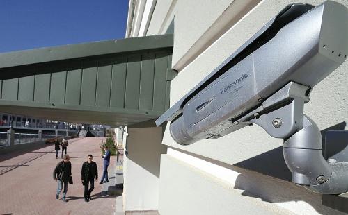 "<span class=""fontBold"">監視カメラは今後はマーケティングなどでの利用も見込まれる</span>(写真=読売新聞/アフロ)"