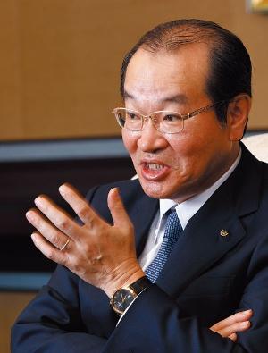 <b>営業職の定年撤廃を決断した中田誠司社長CEO(最高経営責任者)</b>(写真=竹井 俊晴)
