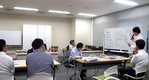 "<span class=""fontBold"">5月下旬、三井住友トラスト系のセミナーには地銀関係者が集まった</span>"