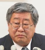 <b>鈴木康雄・日本郵政上級副社長は元総務次官で、官僚組のトップ</b>(写真=時事)