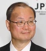 <b>日本郵便の髙橋亨会長は、トールの責任を取り、代表権を返上した</b>(写真=北山 宏一)