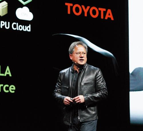 <b>トヨタ自動車との提携を発表した米半導体大手のエヌビディア。ジェンスン・フアンCEOは本誌に対し「日本の自動車産業は世界で最も重要な産業だ」と語った</b>(写真=林 幸一郎)
