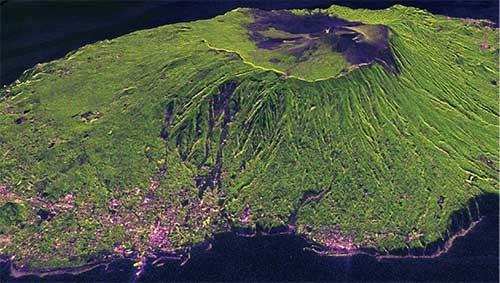 SARで撮像した伊豆大島