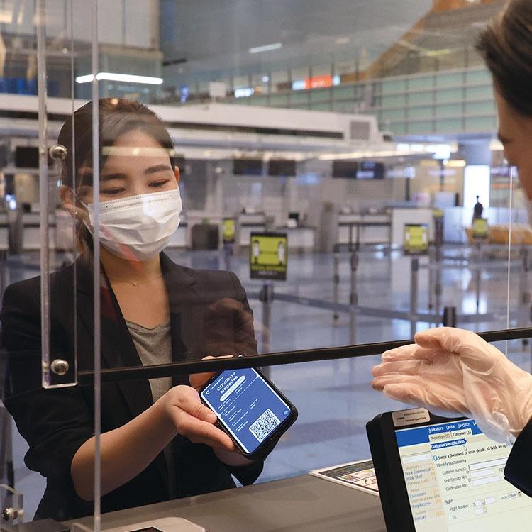検査・ワクチン接種の「コロナパスポート」は航空業界を救えるか