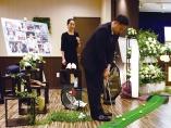 故人の趣味や人柄をしのぶ「顧客本位」の葬儀で成長