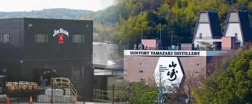 "<span class=""fontBold"">ビームの主力生産拠点、米ケンタッキー州のジムビーム蒸留所(左)とサントリーの山崎蒸溜所(右、大阪府)</span>"