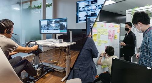 "<span class=""fontBold"">自動運転支援のサポートセンターの実験も始まった(左)。IT技術者の多いスプリントチームは、保険会社とは思えない雰囲気だ(右)</span>(写真=左:大下 美紀、右:加藤 康)"