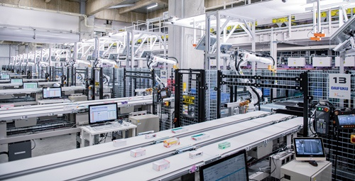 """<span class=""""fontBold"""">医薬品卸の東邦ホールディングスが9月に全面稼働させた最新鋭の物流センターのシステムをダイフクが構築した</span>"""