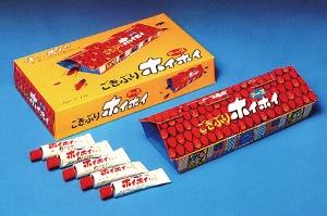 """<span class=""""fontBold"""">1973年に発売したゴキブリ用捕獲器の「ごきぶりホイホイ」。歴代社長が手掛けたヒット商品の数々は、今なお販売を続けている</span>"""