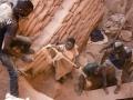 「現代奴隷制」の被害4000万人 サプライチェーンの人権配慮必須に