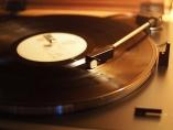 ソニーやオーディオテクニカ レコード復権、響く新アナログの調べ