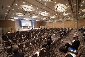 "<span class=""fontBold"">3月30日に開催した定時株主総会は来場者が18人だった。</span>"