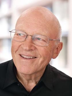 """<span class=""""fontBold"""">ケン・ブランチャード</span><br />1939年生まれ。米国の経営学者・コンサルタント。国際経営協議会にてマクフェリー賞を受賞。リーダーシップ理論で知られる。"""
