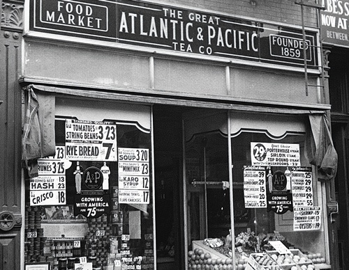 "<span class=""fontBold"">食料品を扱う店として米国で急拡大を遂げた後、破綻したA&P</span>(写真=George Rinhart/Getty Images)"