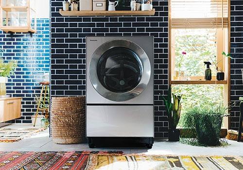 "<span class=""fontBold"">パナソニックは洗剤の自動投入機能が付いたドラム式洗濯乾燥機の販売が好調という</span>"