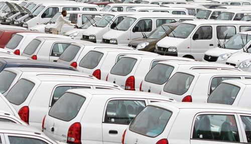 "<span class=""fontBold"">スズキがシェア首位のインドの自動車市場は金融不安などが影響し厳しい状況が続いている</span>(写真=ロイター/アフロ)"