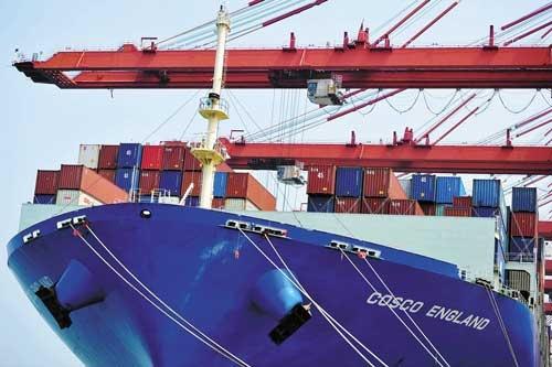 """<span class=""""fontBold"""">米中貿易摩擦の影響で、中国経済が減速。日本から中国への輸出額も8月まで6カ月連続のマイナスに陥っている</span>(写真=ユニフォトプレス)"""