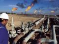 上がらぬ原油相場、映すのは世界景気への不安か