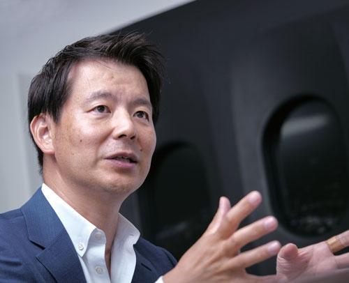 "<span class=""fontBold"">吉田浩一郎氏</span>[Koichiro Yoshida]<br />クラウドワークス社長兼CEO(最高経営責任者)。パイオニア、ドリコムなどを経て2011年クラウドワークス設立。(写真=加藤 康)"