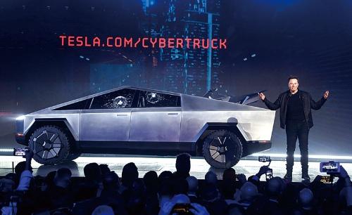 """<span class=""""fontBold"""">テスラは新工場で「サイバートラック」などの電池を製造する計画だ</span>(写真=AP/アフロ)"""