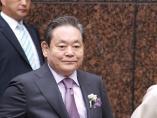 サムスン電子の李健熙会長が死去 頂点の煌めきと世論の逆風と