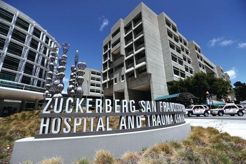 """<span class=""""fontBold"""">ザッカーバーグ氏の名を冠したサンフランシスコの病院</span>(写真=Justin Sullivan/Getty Images)"""