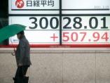 日経平均株価が歴史的な大台を回復、「熱狂なき3万円」は持続するか