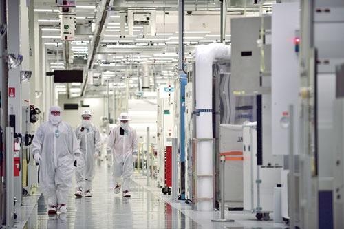 "<span class=""fontBold"">オレゴン州にあるインテルの半導体工場</span>"