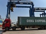輸出維持と物価抑制で板挟み 中国、人民元高のジレンマ