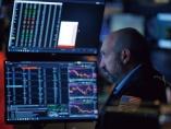 指標悪化、地政学リスクものともせず 「株しか買えない」最高値