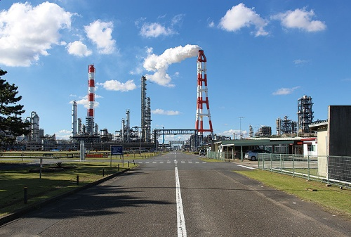 "<span class=""fontBold"">三菱ケミカルの茨城事業所に油化設備を設ける</span>"