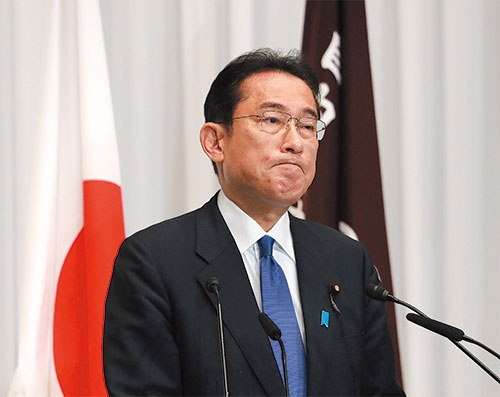 "<span class=""fontBold"">岸田新内閣は、年内にも数十兆円規模の経済対策を打ち出し、経済正常化へ向けてかじを切る</span>(写真=ロイター/アフロ)"