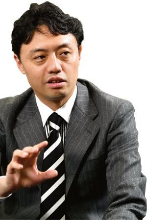 "<span class=""fontSizeS"">東京大学大学院教授</span><br /><span class=""fontSizeL"">松尾 豊氏</span>"