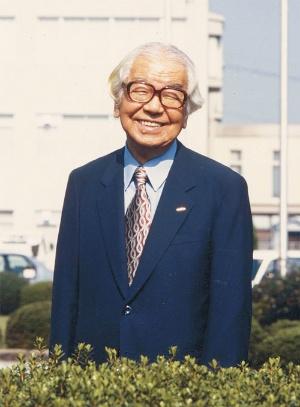 """<span class=""""fontBold"""">創業者である村田昭氏も現場をしばしば訪れ、開発者とともに喜怒哀楽を分かち合った</span>"""