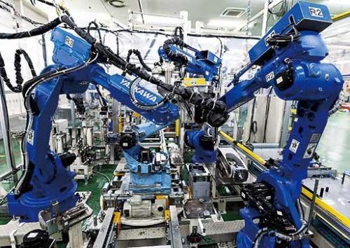 """<span class=""""fontBold"""">日本のモノづくりを支える安川電機。デジタル化は急務だ</span>"""