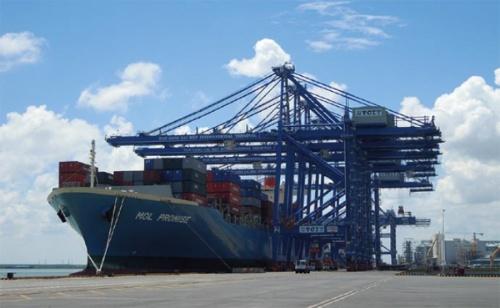 """<span class=""""fontBold"""">ホーチミン南東にあるカイメップ港は、大型船舶が入港できることでアジアのハブ港として期待されている</span>"""