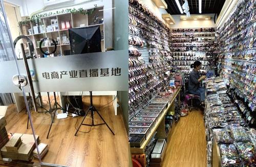 """<span class=""""fontBold"""">青岩劉村には政府が設けたスタジオがある(写真左)。義烏国際商貿城内にある卸売業者のブース(写真右)</p>"""